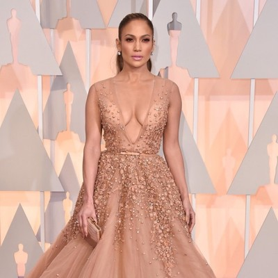 I am in awe! Jennifer looks amazing! #oscars #womenofcolor #beauty