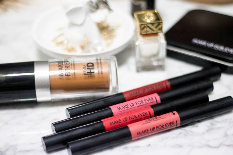 Make Up For ever Pro Sculpting Lip adds volume and definition to lips with ease.